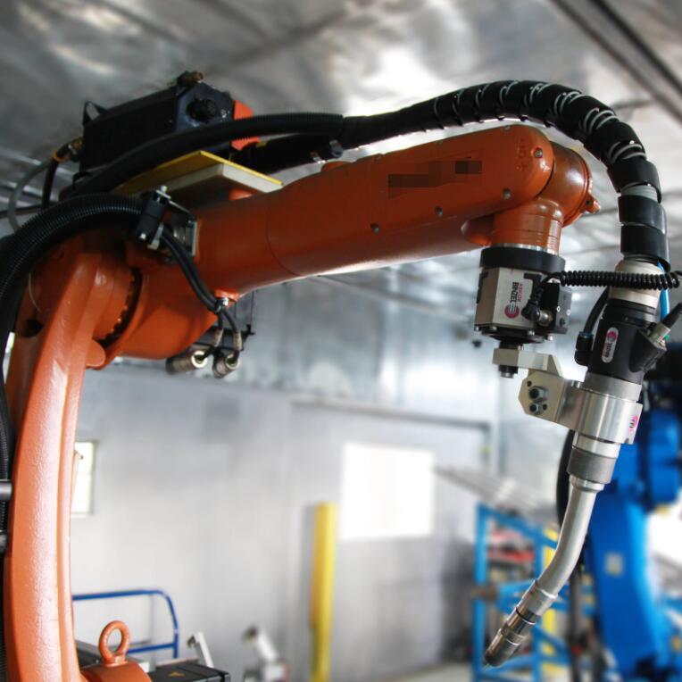 工业机器人焊机与手动焊接的各自优势及对焊接机器人未来的展望