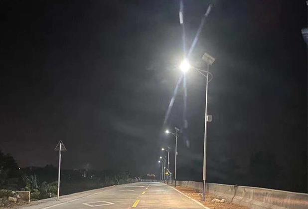 四川新农村太阳能路灯安装