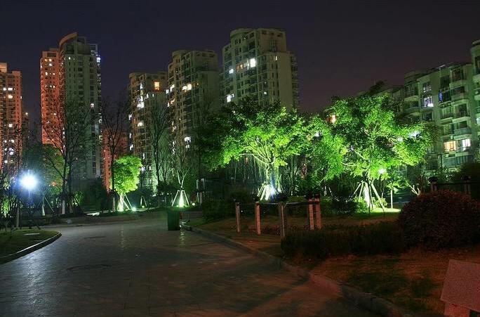 你知道成都小区庭院灯应该怎么选择吗?