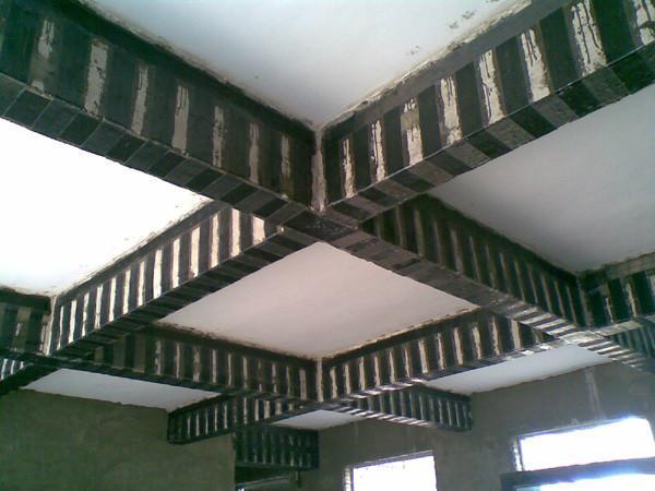 钢筋混凝土梁粘贴碳纤维加固补强的特点
