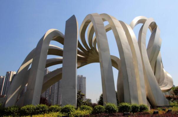 城市景观雕塑的常用基座有哪几种