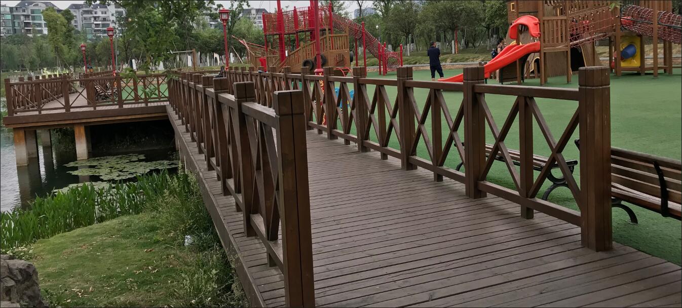 四川防腐木栈道工程