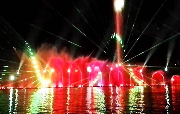 四川成都大型音樂噴泉水舞秀工程(視頻)