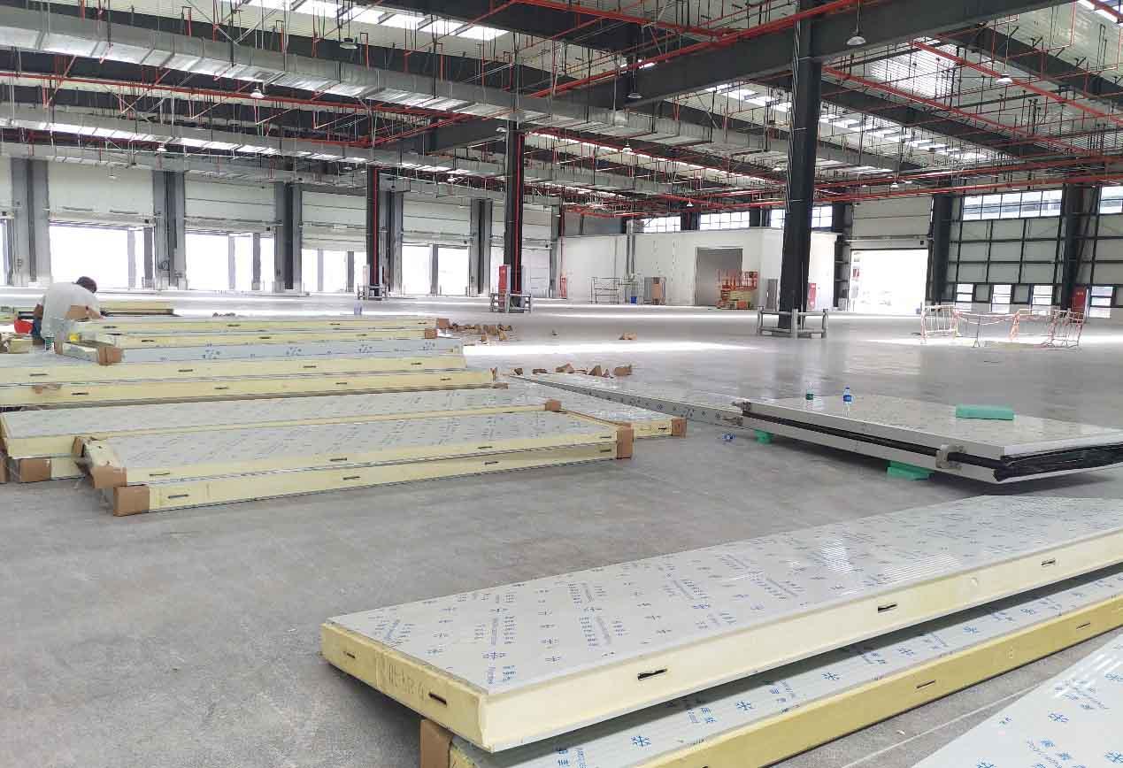 天府机场川航冷库机组安装