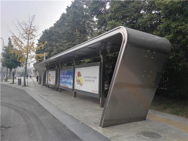 成都不锈钢公交站台灯箱案例