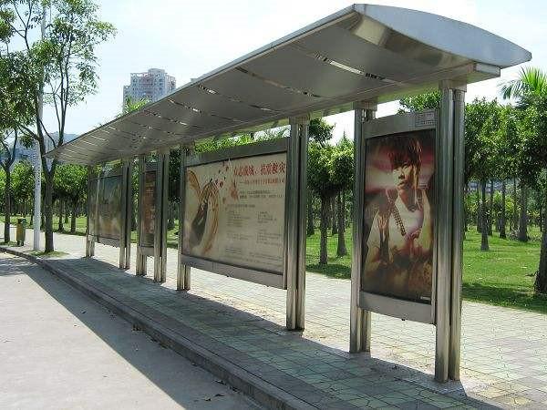 广安公交站台灯箱案例