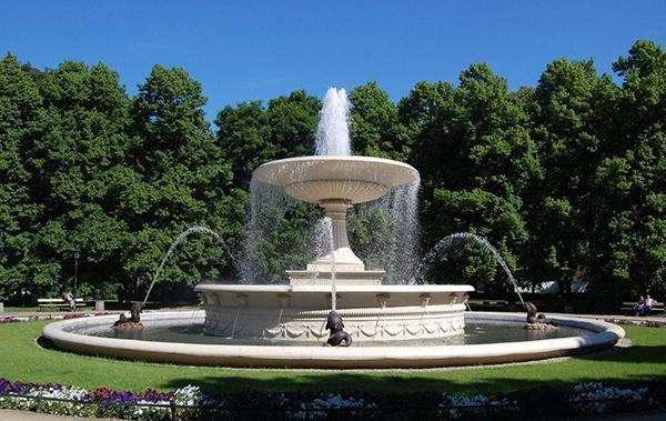 你是否知道成都喷泉设计施工技术要点有哪些?