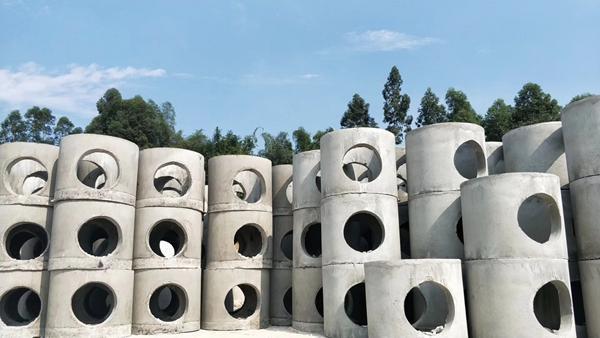 检查井中预埋钢套管的施工原理和工艺特点