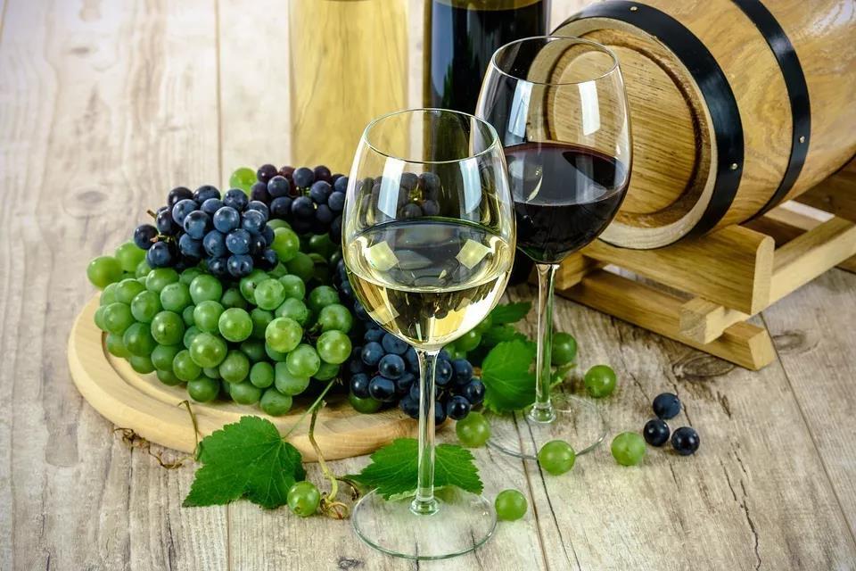 自己在家酿葡萄酒?小心喝完眼失明!