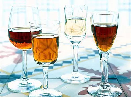 红酒倒多少合适?华昊酒庄带你学习,以后再也不尴尬了!