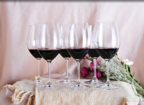 女士们,先生们,马瑟兰红酒不能再这样喝啦!
