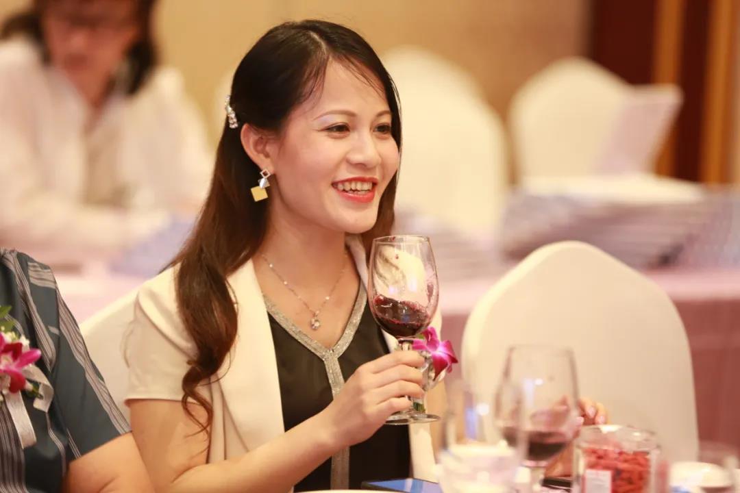华昊酒庄葡萄酒6