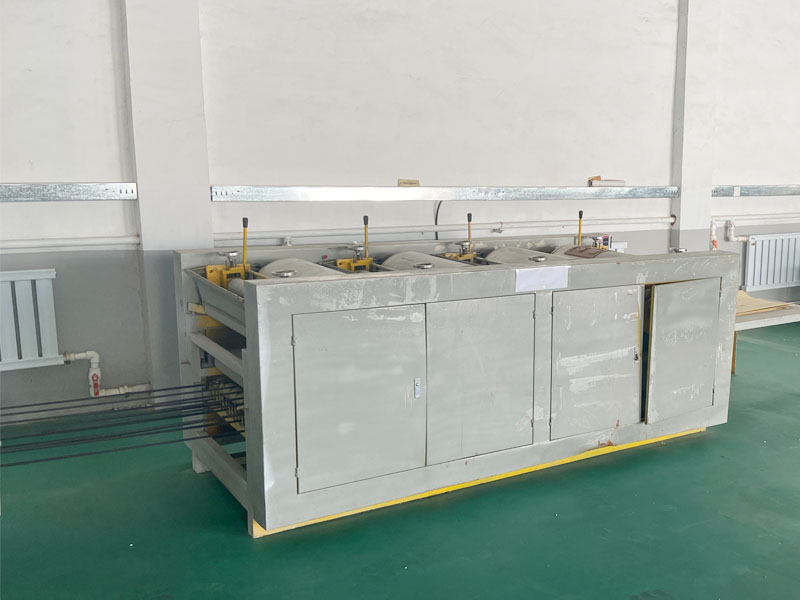 三合一纸塑复合袋生产车间