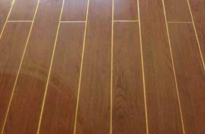 在木纹地板进行美缝施工的时候,要注意这3点!