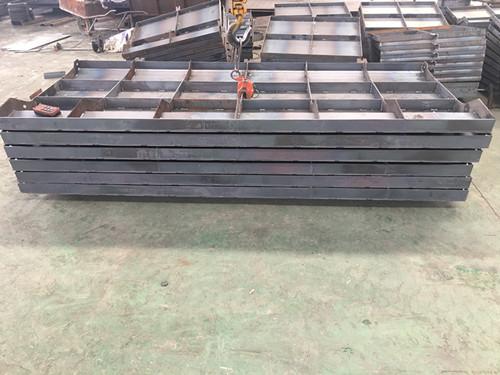 防撞墙模具的尺寸介绍