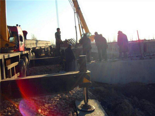 銀通路橋梁工程