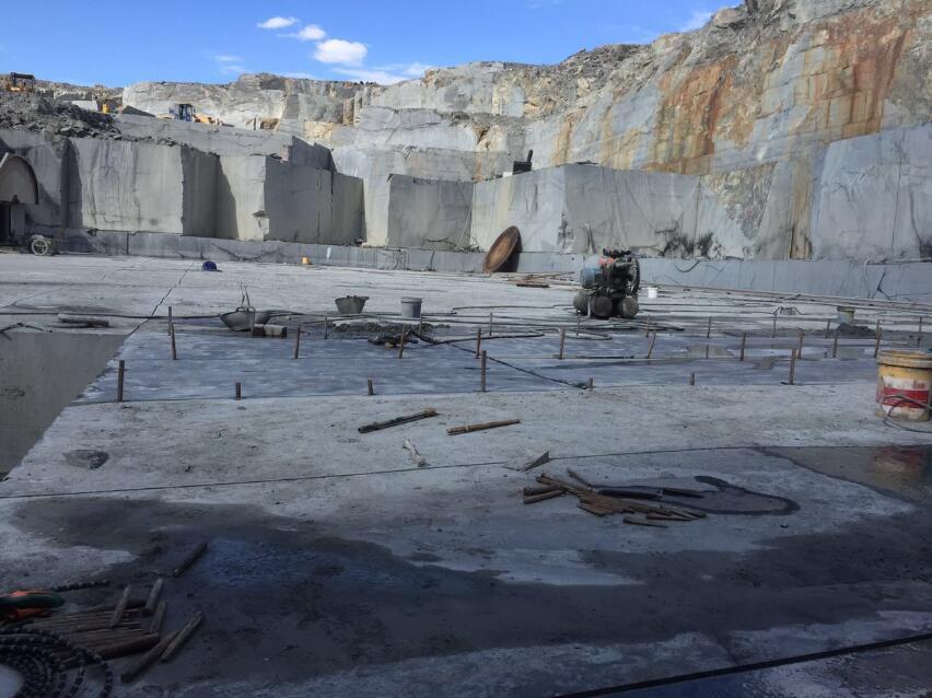 花岗石矿山