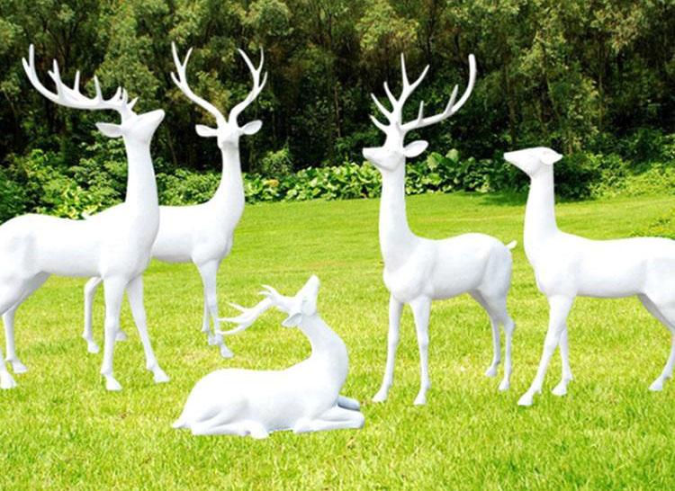 四川玻璃钢雕塑价格