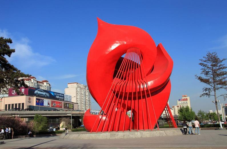 景观雕塑设计怎样凸显艺术氛围?