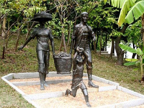 成都黄铜紫铜锻造雕塑价格