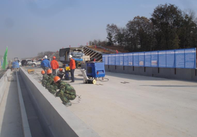 京沪高速铁路汤山段桥面防水项目