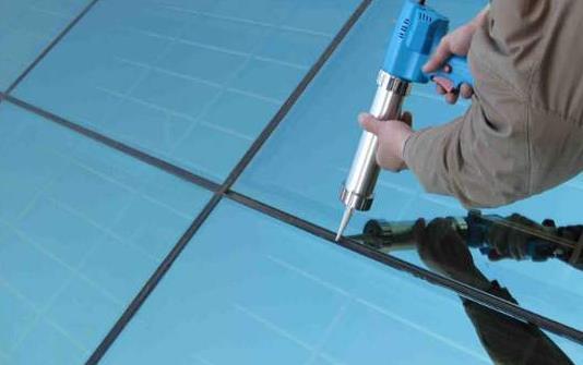 欧曼环保厂家和大家分享一下关于玻璃胶的分类和颜色