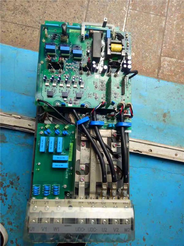 变频器有很多的部件组成,那么变频器的哪些部件必须按期调换?