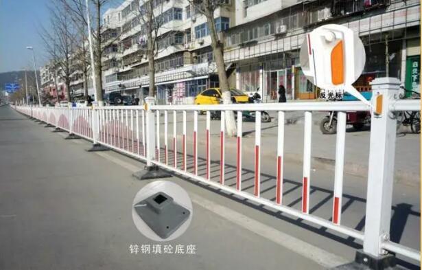 世纪智安科技向你讲解武汉锌钢护栏和不锈钢护栏哪个好?