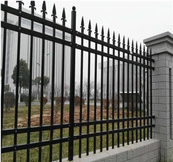 世纪智安向你讲解武汉锌钢护栏作为围墙护栏特点?
