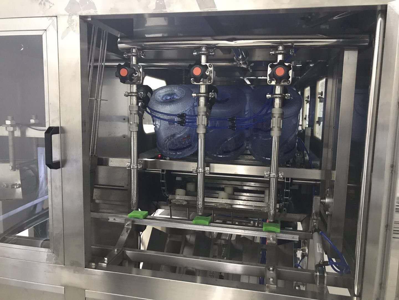 大桶装灌装水生产线