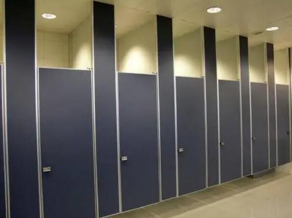 如何设计卫生间隔断?卫生间隔断安装注意事项!