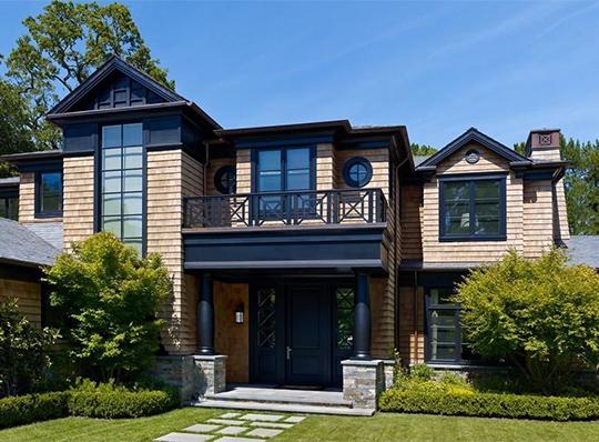 为什么四川防腐木别墅都喜欢选用胶合木结构?