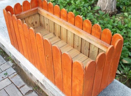 使用四川防腐木花箱的三大优点你知道吗?