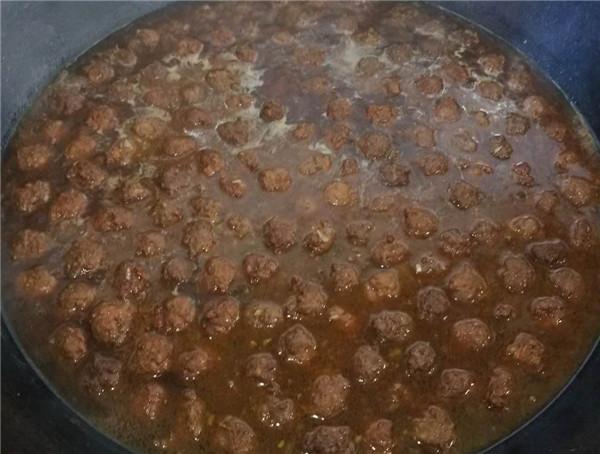内蒙古自治区老年公寓散养猪做的肉丸子
