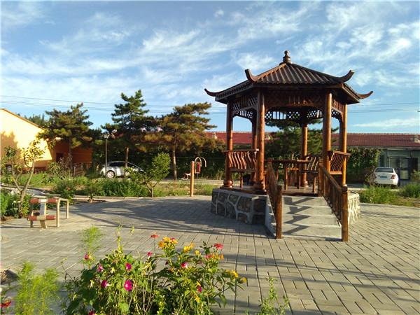 内蒙古自治区老年公寓后公园