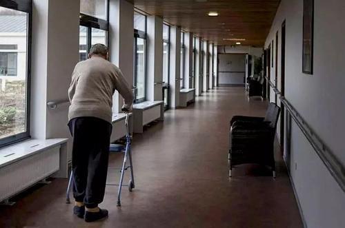 如何选择养老院