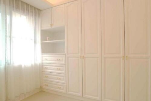 如何做好西安衣柜的空间搭配?