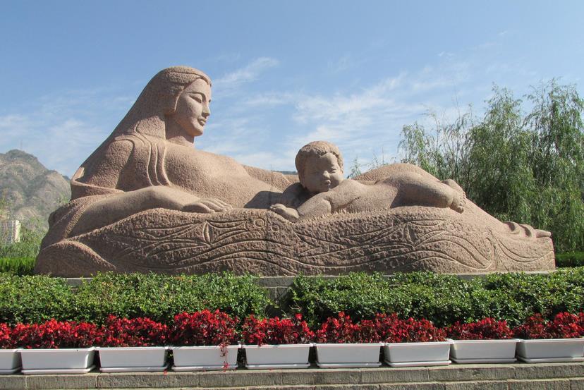景观雕塑设计成为城市标志和象征的载体