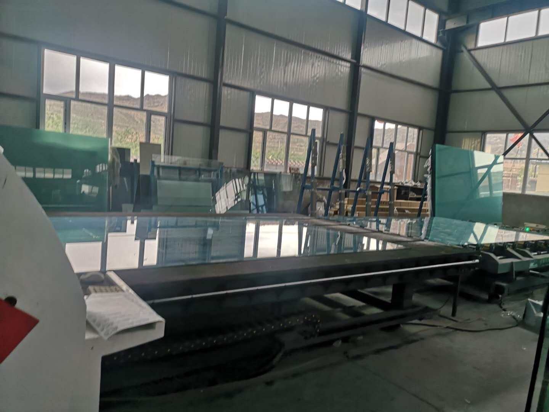 峰峰玻璃厂车间图片