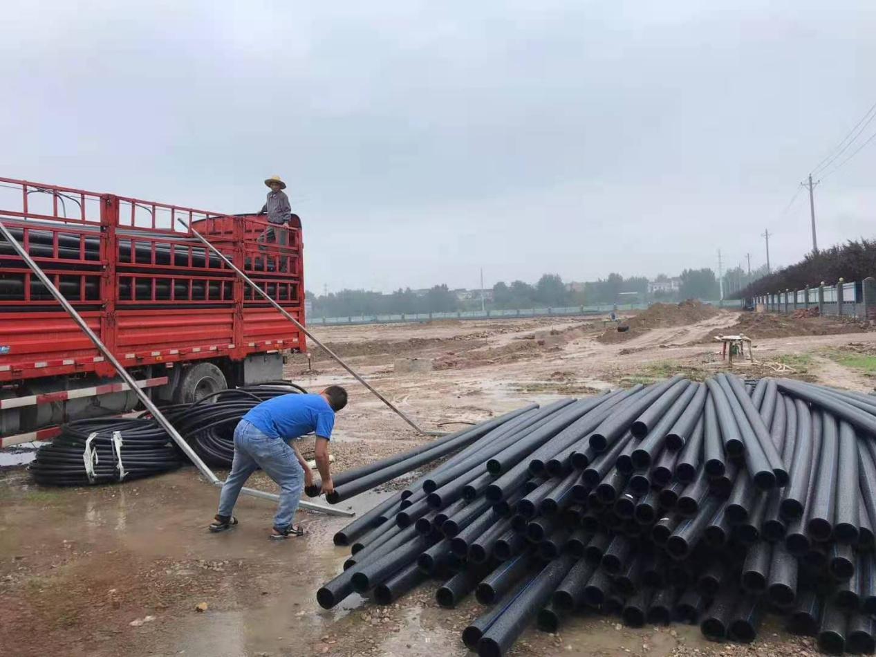 西安市自来水管道使用PE钢丝网骨架!
