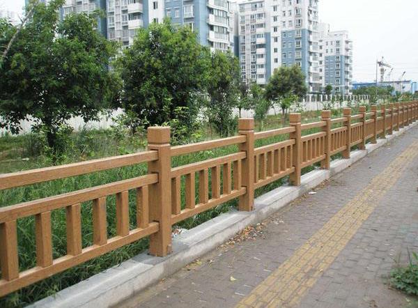 你知道如何区别护栏和栏杆?成都仿木栏杆为你解答