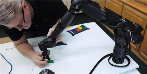 碳纤维复合材料对于机械臂的应用优势.