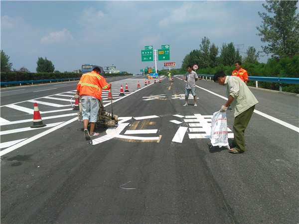 高速道路标线施工案例