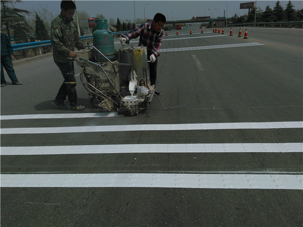 好的方法能够事半功倍,道路标线施工的时候有什么小技巧吗?