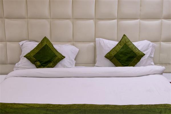 在酒店用品中枕头的使用及清洁应注意哪些问题?
