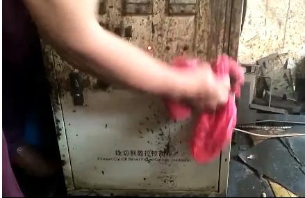 黄袍清洗剂实验视频展示