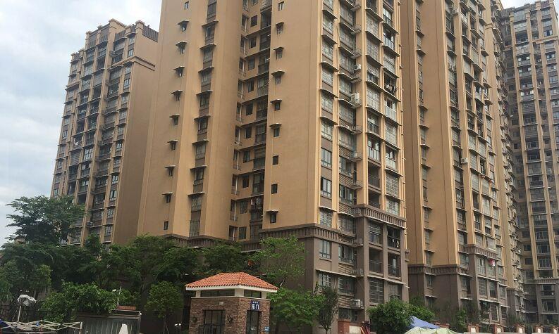 南充市金鴻城二期13.8萬平米,六幢32層 一已完工