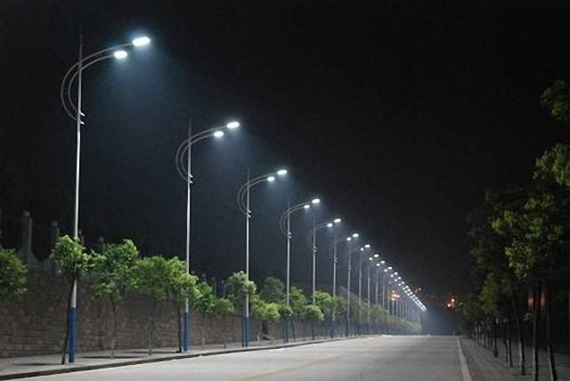 宁夏太阳能路灯图片
