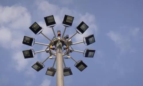 太阳能高杆灯图片