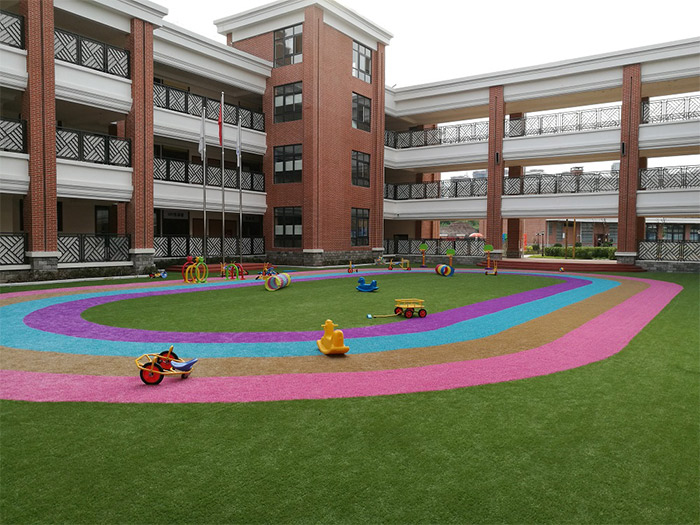 足球场人造草坪施工应注意的哪些细节?